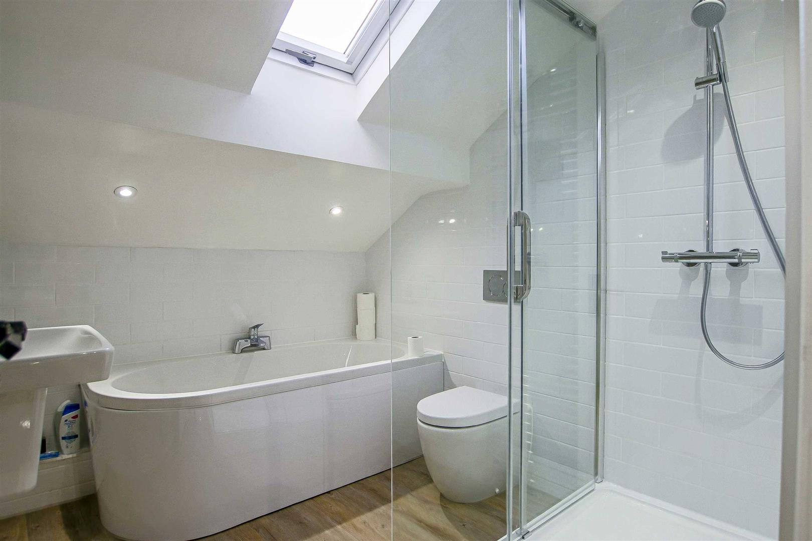 7 Bedroom Detached House For Sale - Image 29